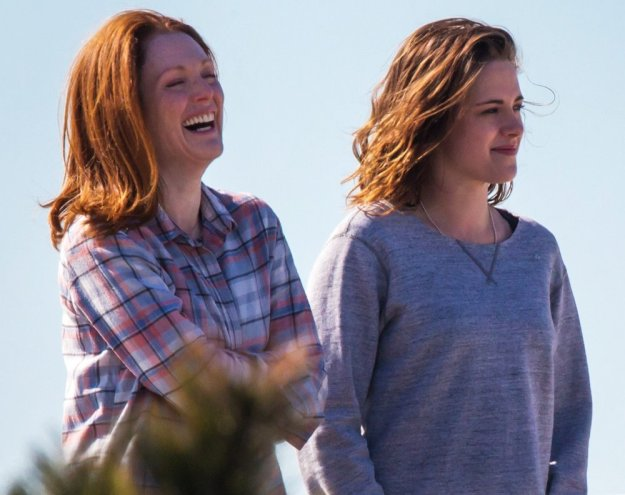 julianne-moore-kristen-stewart-watch-julianne-moore-and-kristen-stewart-shine-in-new-still-alice-trailer